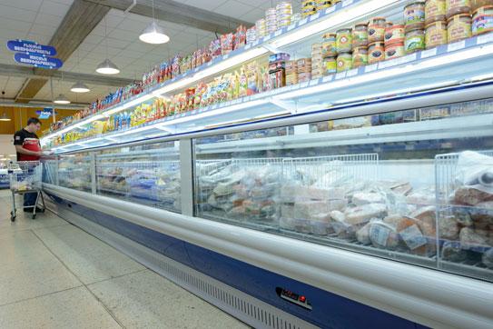 Холодильная витрина Nautilus с жидкостной системой оттаивания